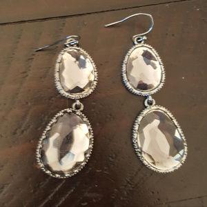 Jewelry - Black double stone earrings